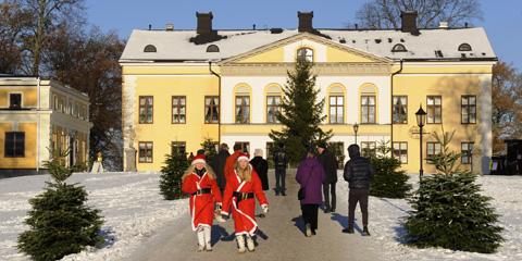 Sveriges största Julmarknad Taxinge Slott 2018 Sörmland