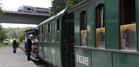 Utflykt med tåg och ångbåt Stockholm Mariefred
